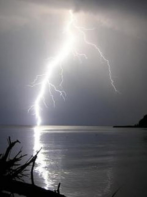 Молния (20 фото) | Природа | ice-scream.ru: http://www.ice-scream.ru/nature/lightning-photo.php